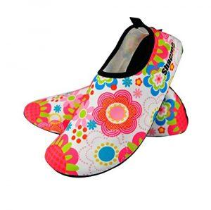 Art- und Weisemänner und Frauen-schnorchelnde Schuhe