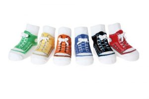 Baby Jungen Socken die wie Schuhe aussehen-6 Paar-Weicher Baumwolle – Anti-rutsch – Geschenkverpackung(0-12 Monate, SNEAKER SOCKEN-GESCHENKBEUTEL)